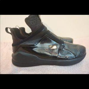 Black Puma Tennis Shoe